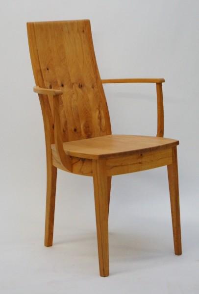 Armlehnstuhl 407 mit Holzsitz und Holzrücken